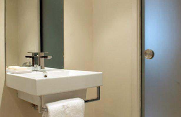 Murad-bathroom-2-to-use
